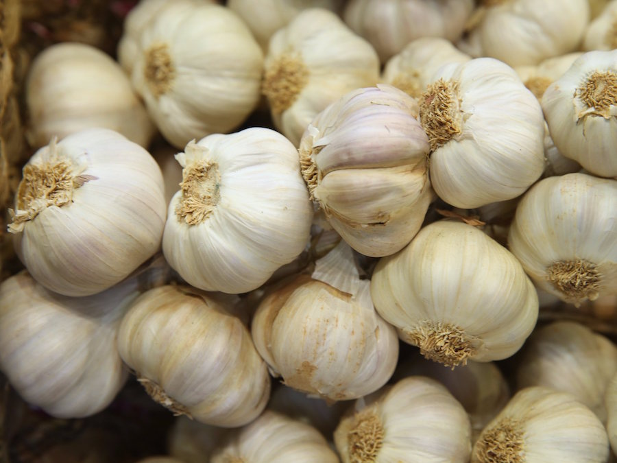 8 interesting things facts about Portugal garlands of garlic