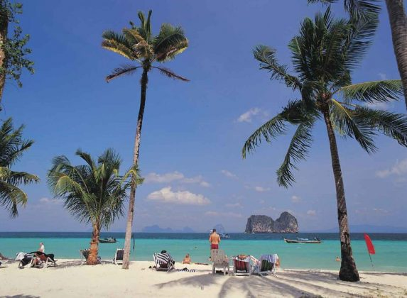 koh ngai island trang thailand review guide accommodation weather how to get (1)