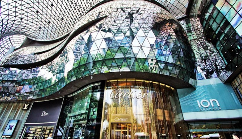 singapore shopphing mall ion orchard (