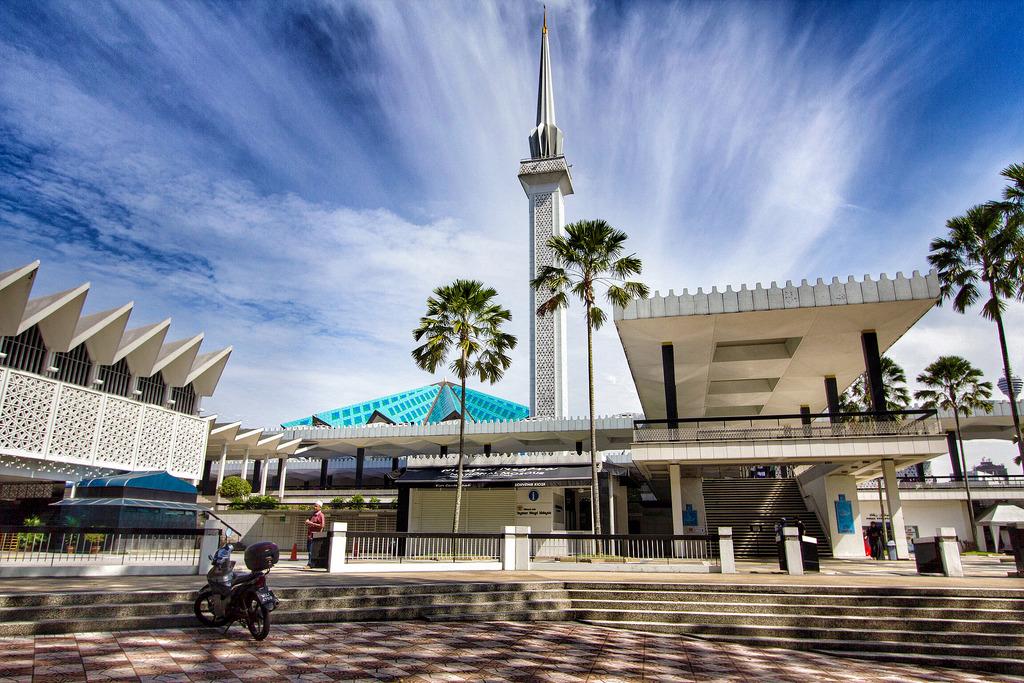 masjid-negara-kuala lumpur malaysia 1