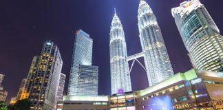 petronas-twin-towers 1 perfect day itinerary in Kuala Lumpur 2