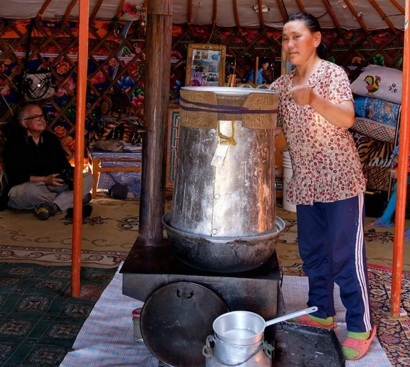 Drink horse milky wine-best experiences-in Mongolia1