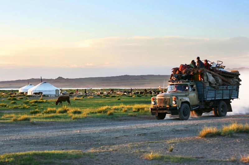 Mongolian tent-best experiences-in Mongolia1