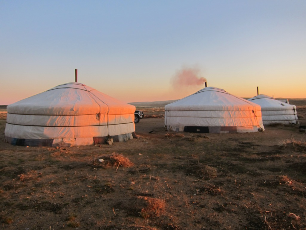 Mongolian tent-best experiences-in Mongolia4