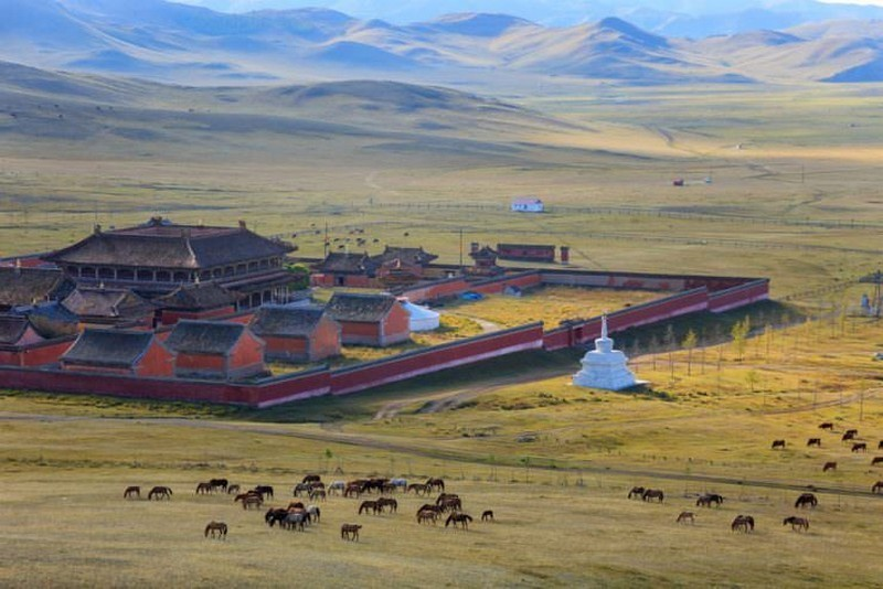 Overnight at the monastery-best experiences-in Mongolia
