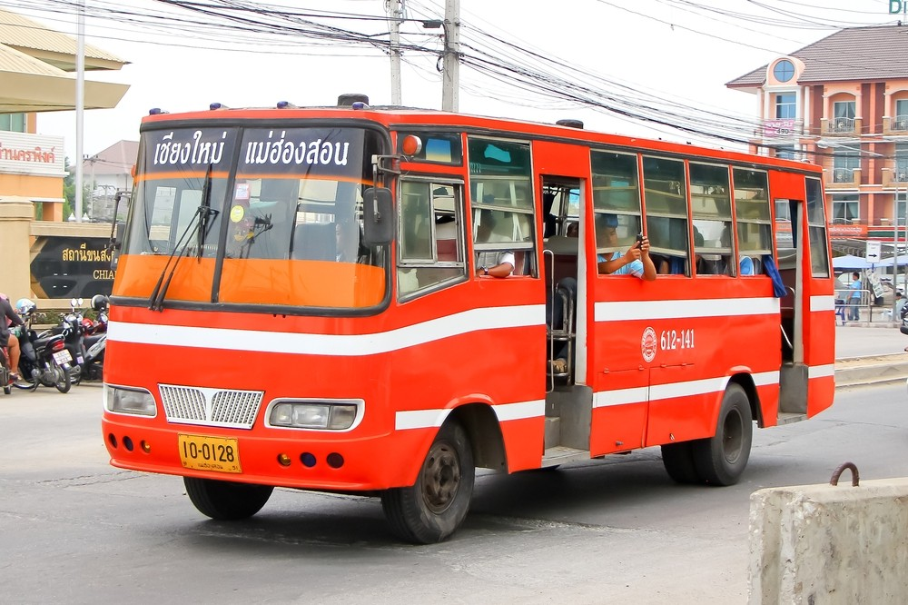 bus-transportation-to-get-to-pai-thailand