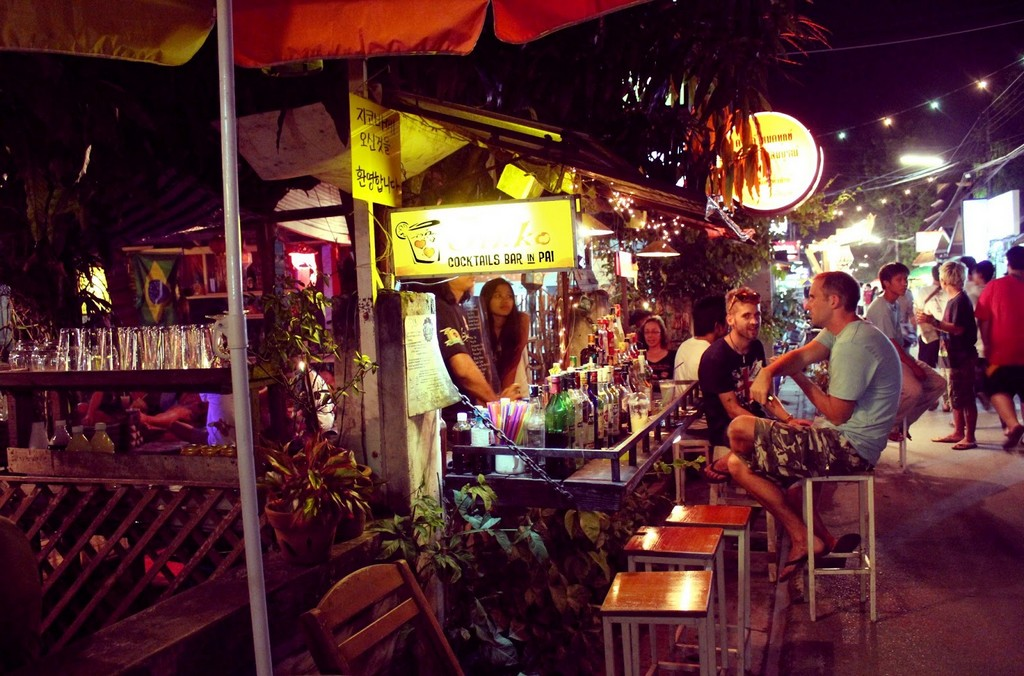 nightlife-Pai-Thailand-perfect guides to explore Pai-Thailand