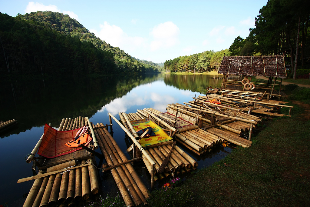 pang-ung-lake-Pai-Thailand-perfect guides to explore Pai-Thailand2