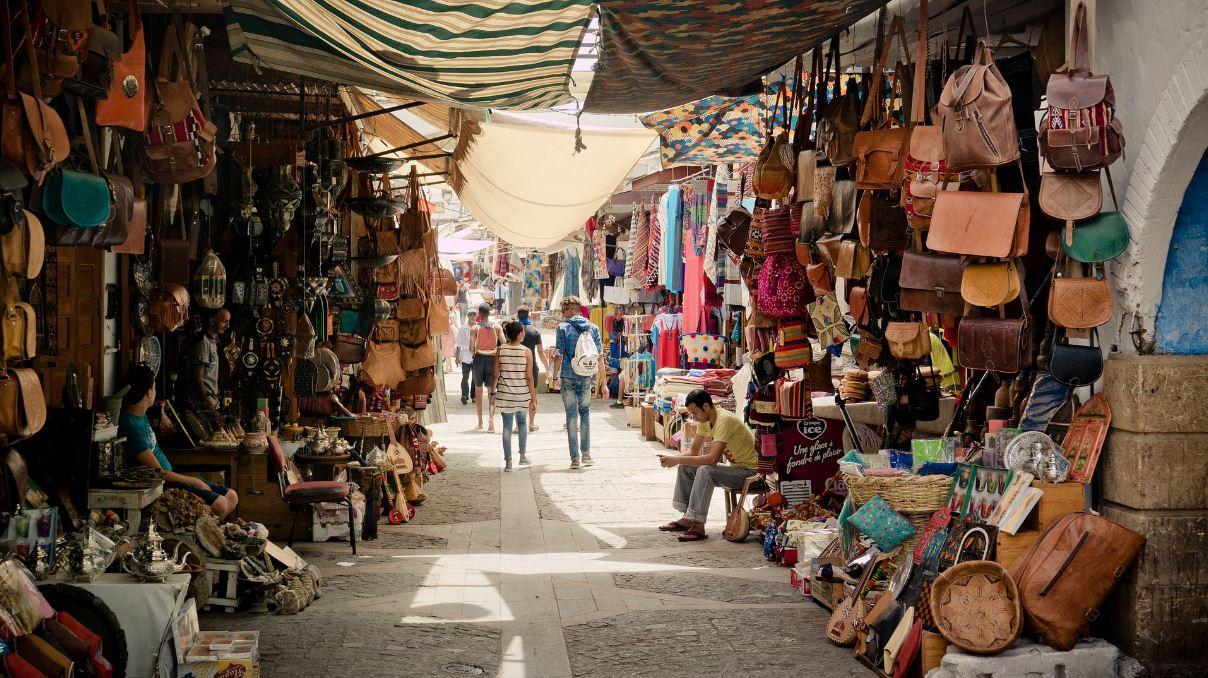 Arab flee market aid benhaddou