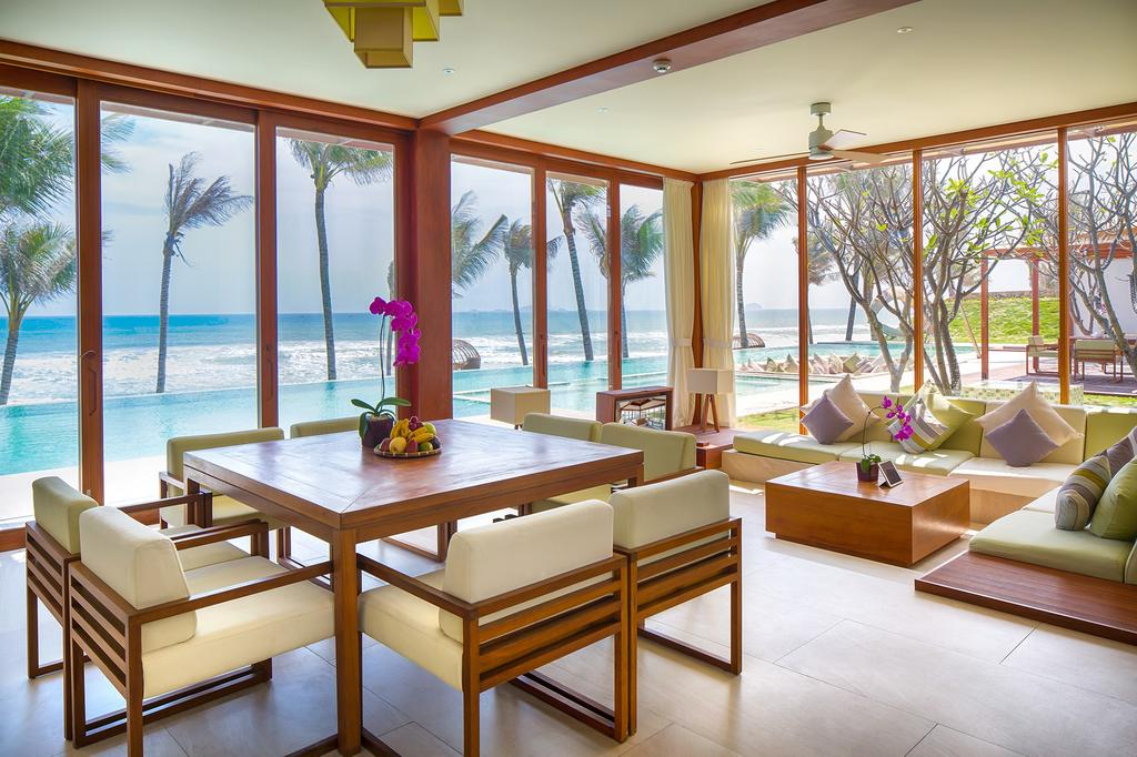 This property is 2 minutes walk from the beach. Boasting a private beach area, Fusion Resort Nha Trang offers tranquil and comfortable accommodation with free WiFi access throughout the property. It features an outdoor pool, fitness centre, free parking space and lush green gardens.