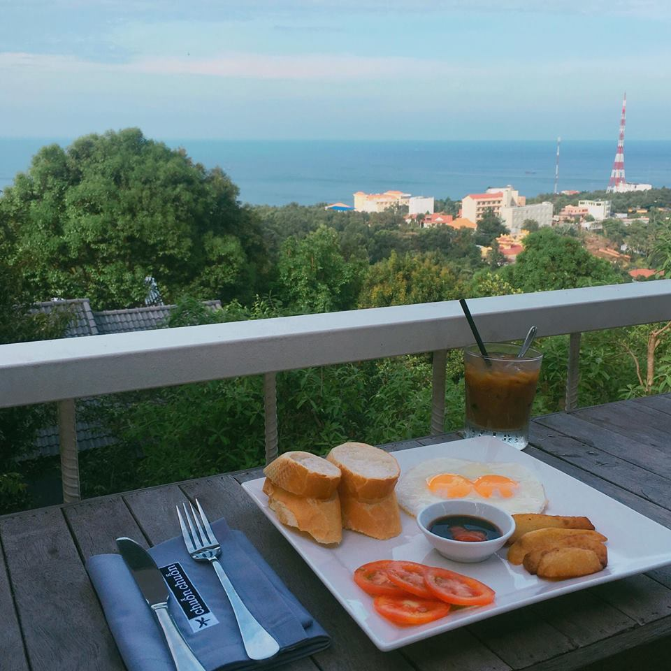 88-Hilltop-Hostel-best homestays for you when travelling to Phu Quoc Island6
