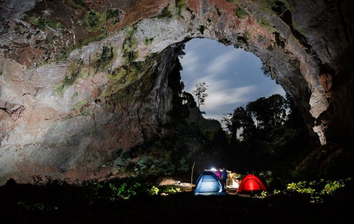 camping in son doong cave