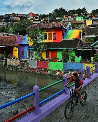 Kampung Pelangi -Rainbow Village in Indonesia (13)