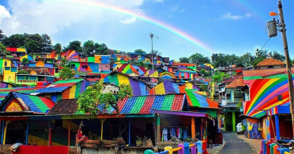 kampung elangi - beautiful rainbow villag in indonesia (5)