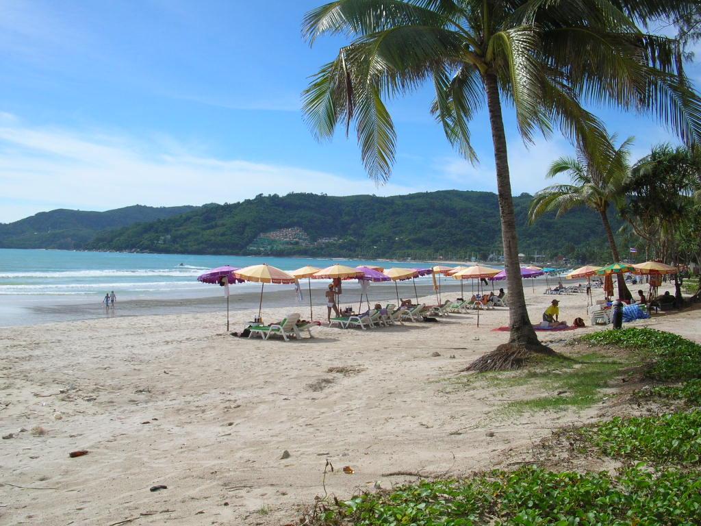 full_beach_Patong_1