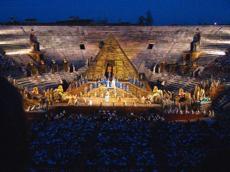 In June, July and August, Rome Arena offers famous performances.