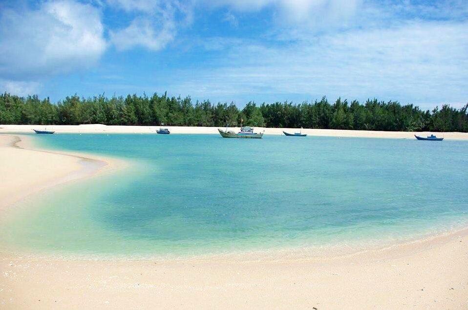 trieu duong beach phu quy island 2
