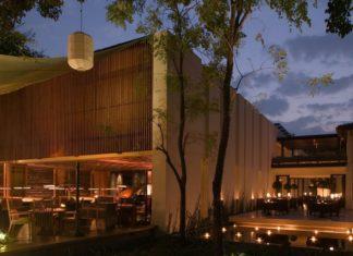 Bar & Cigar Lounge at night, The Anantara Chiang Mai
