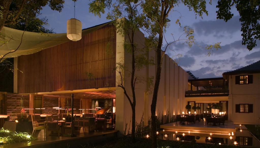 Bar & Cigar Lounge at night, The Anantara Chiang Mai
