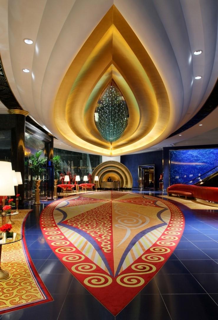 Burj-Al-Arab dubai lobby (2)