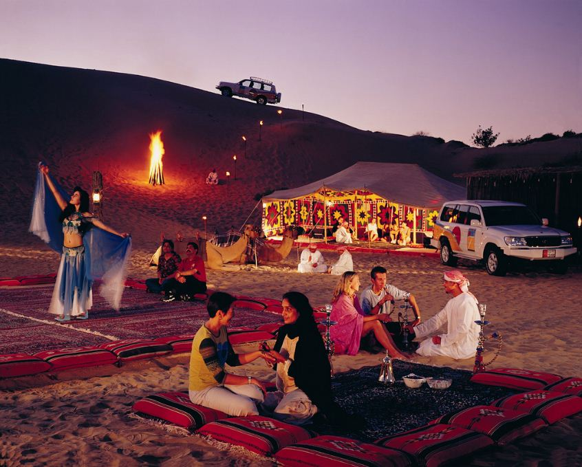 belly-dancer-dubai desert night