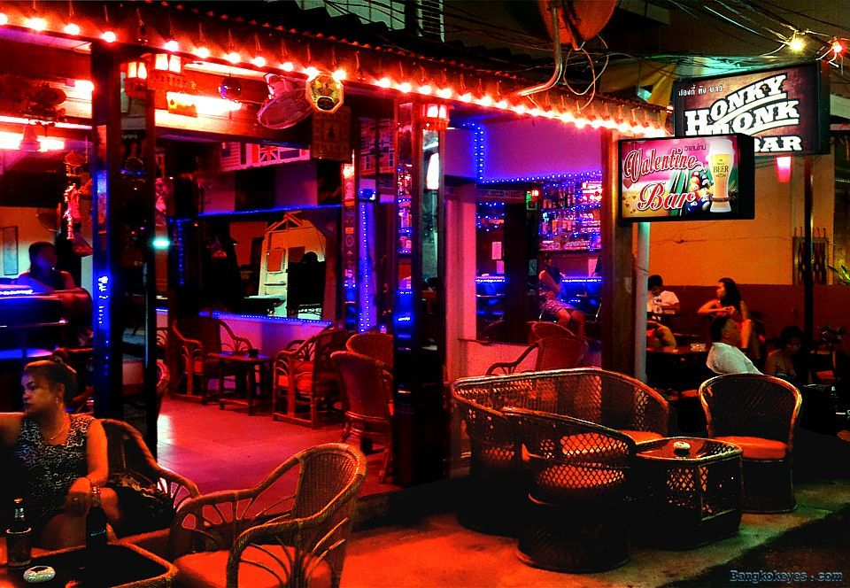 Image of Hua Hin nightlife blog. Soi Bintabat and surroundings-thailand-best place to visit in thailand