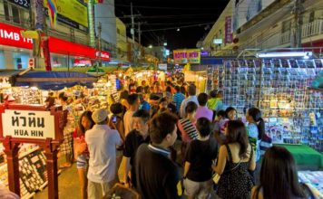 hua hin night market. hua hin nightlife thailand