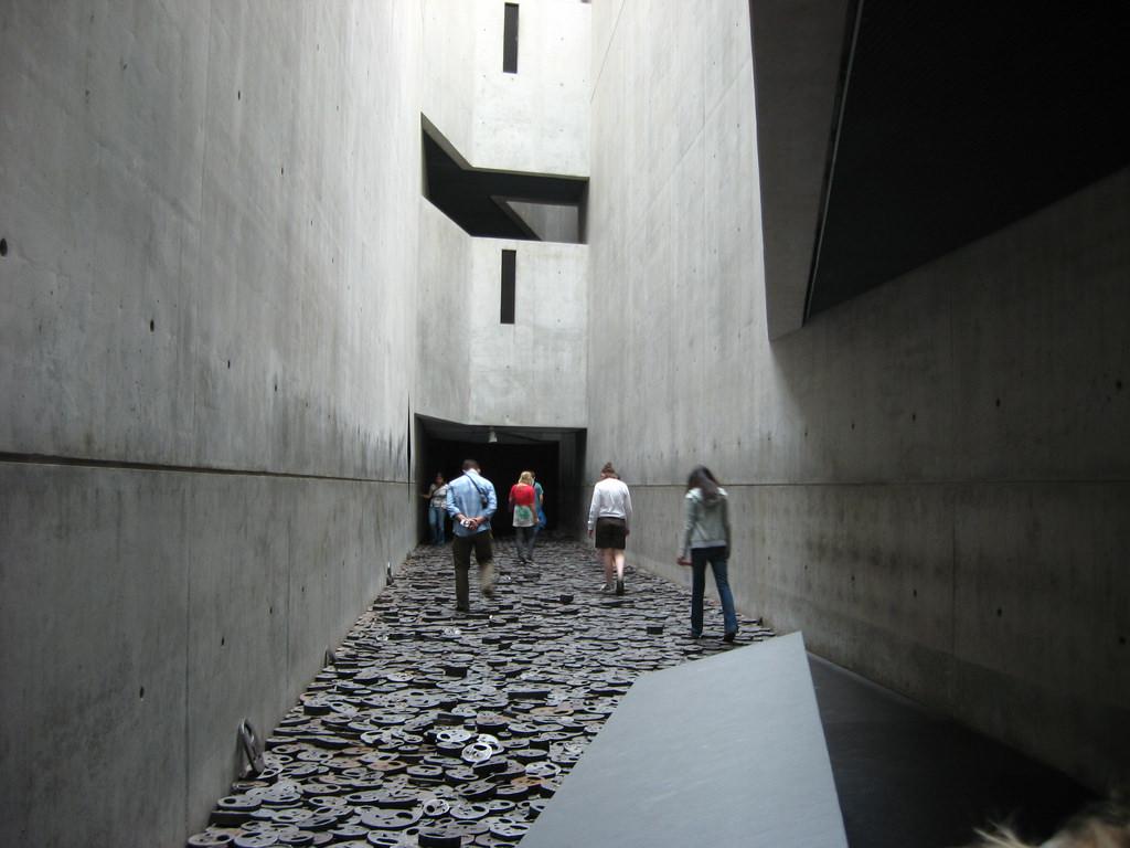 Leerstelle des Gedenkens jüdisches museum berlin jewish museum berlin
