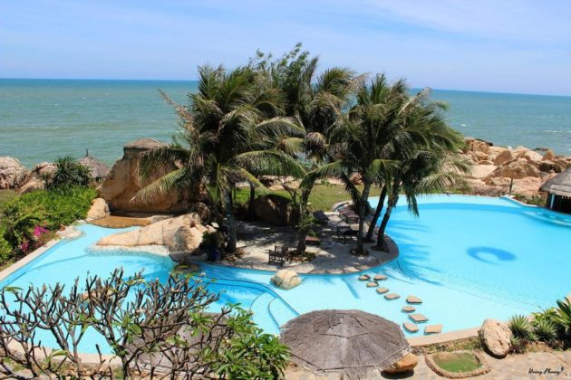 Rock Water Bay beach resort and spa phan thiet (1)