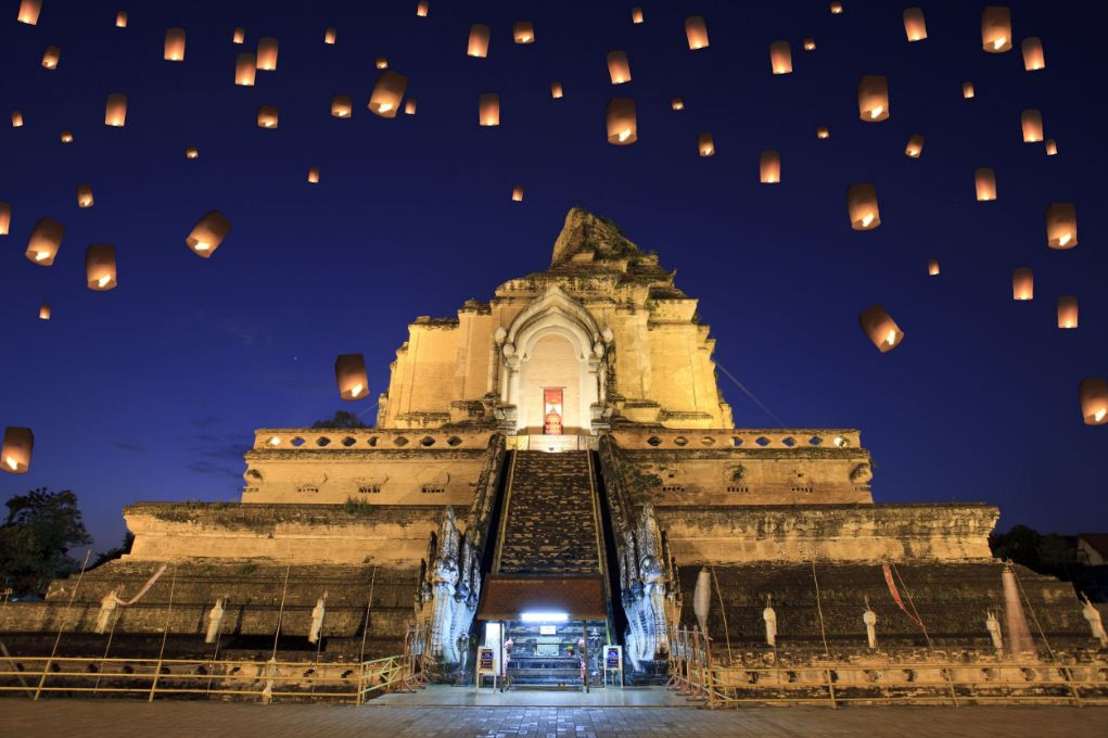 Lanterns over Wat Chedi Luang Temple, Chiang Mai in Loy Krathong Festival