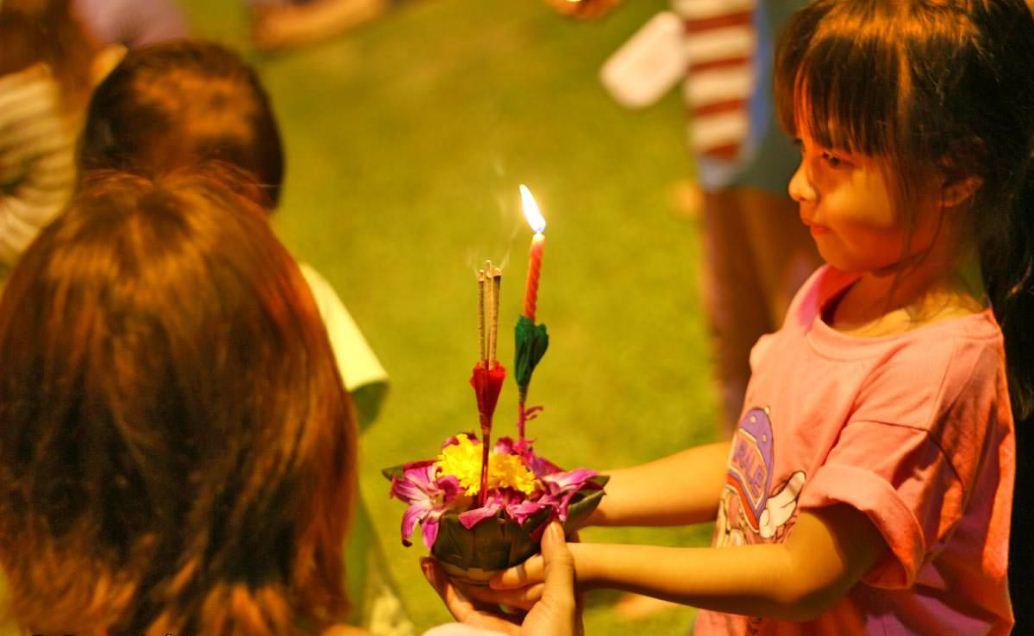 loy krathong festival chiang mai thailand (23)