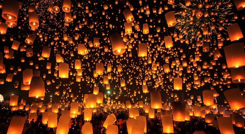 Realeas lanterns in Krathong Festival, Chiang Mai
