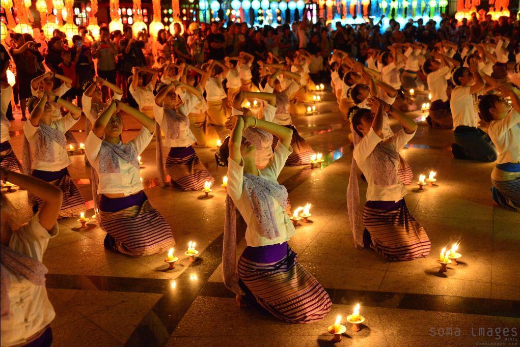 loy krathong festival chiang mai thailand (9)