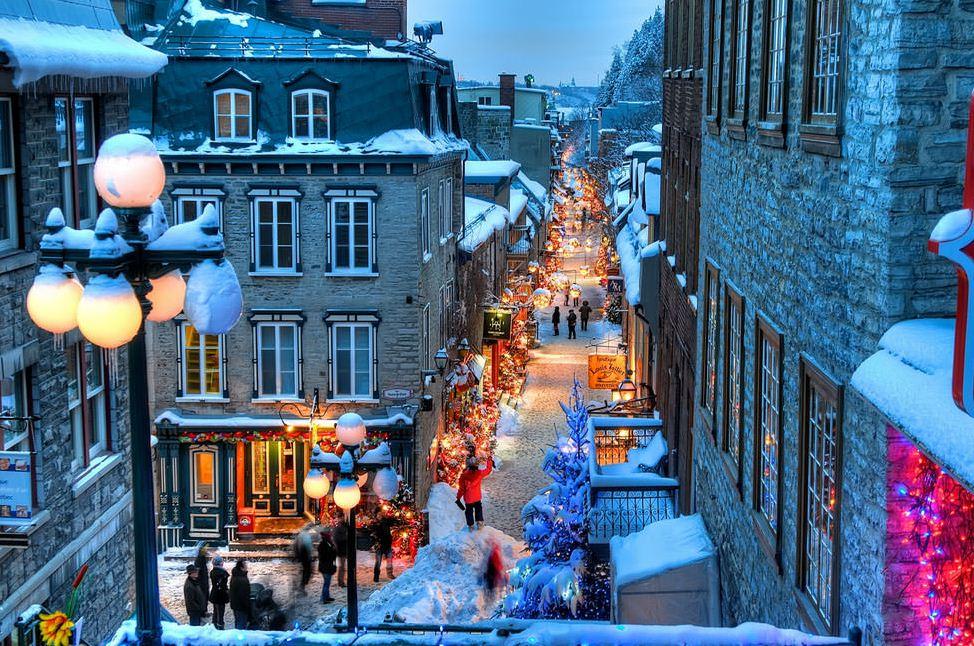 Petit Champlain old town quebec (1)