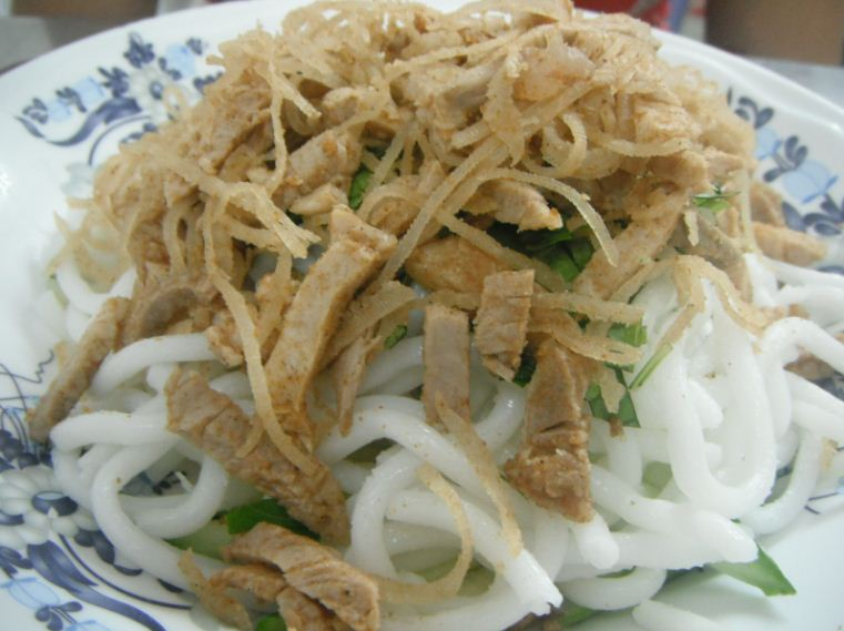 bun bi vietnam traditional food (1)