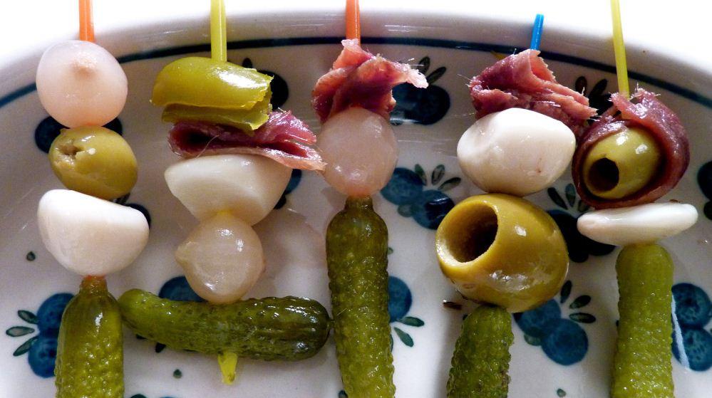 tapas banderillas calamares fritos berenjenas gratinadas (1)