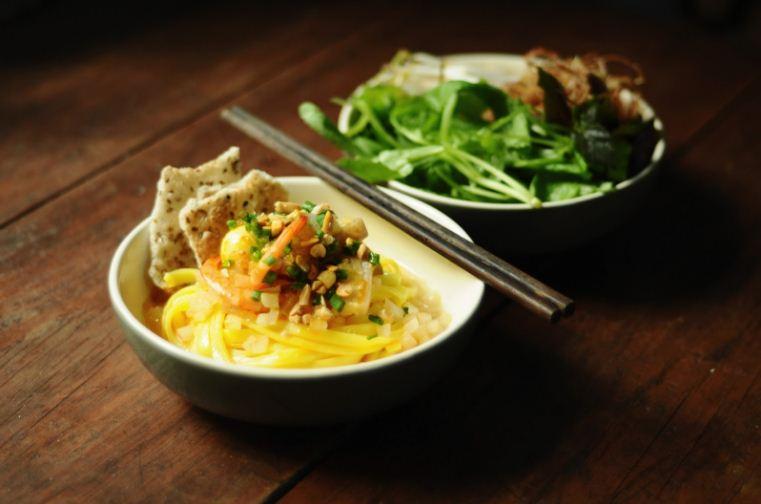1Mi Quang Quang noodles vietnamese street foods (3)