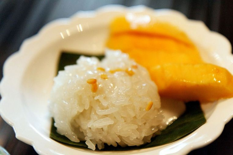 Mango sticky rice Thailand street food around the world (1)