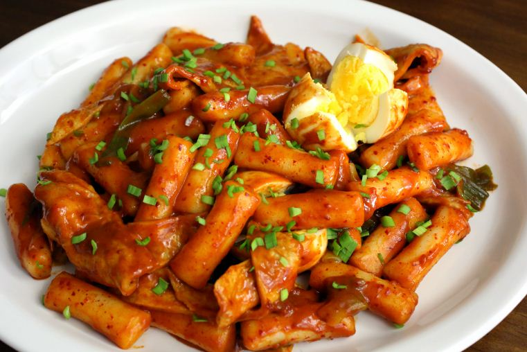 Tteokbokki in korean street food around the world