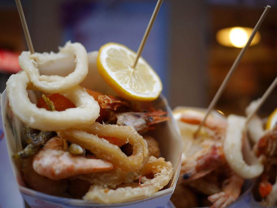Pesce Fritto Al Cono. Image of street food around the world blog.