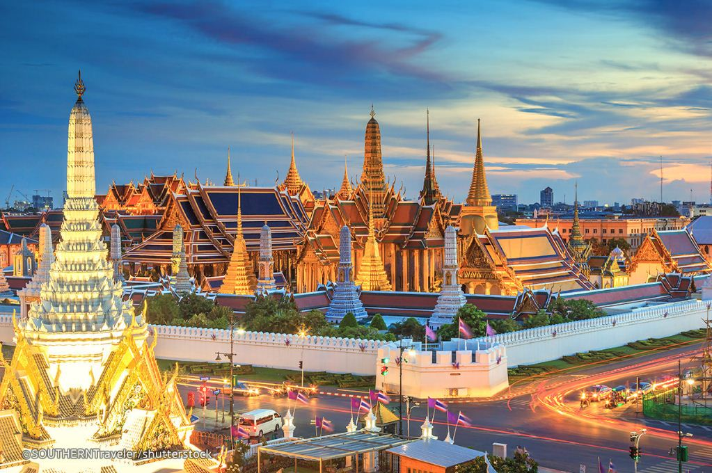 Image of Bangkok itinerary 3 days blog. grand palace and what phra kaew bangkok itinerary what to do in bangkok for 3 days (1)