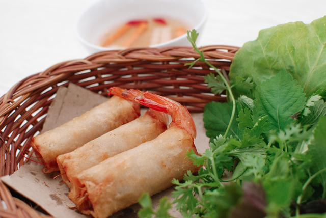 Shrimp spring roll vietnamese fried spring rolls