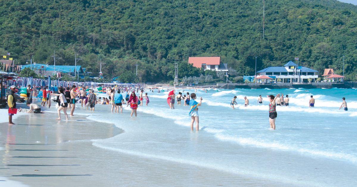beach koh larn island thailand travel guide travel blog2