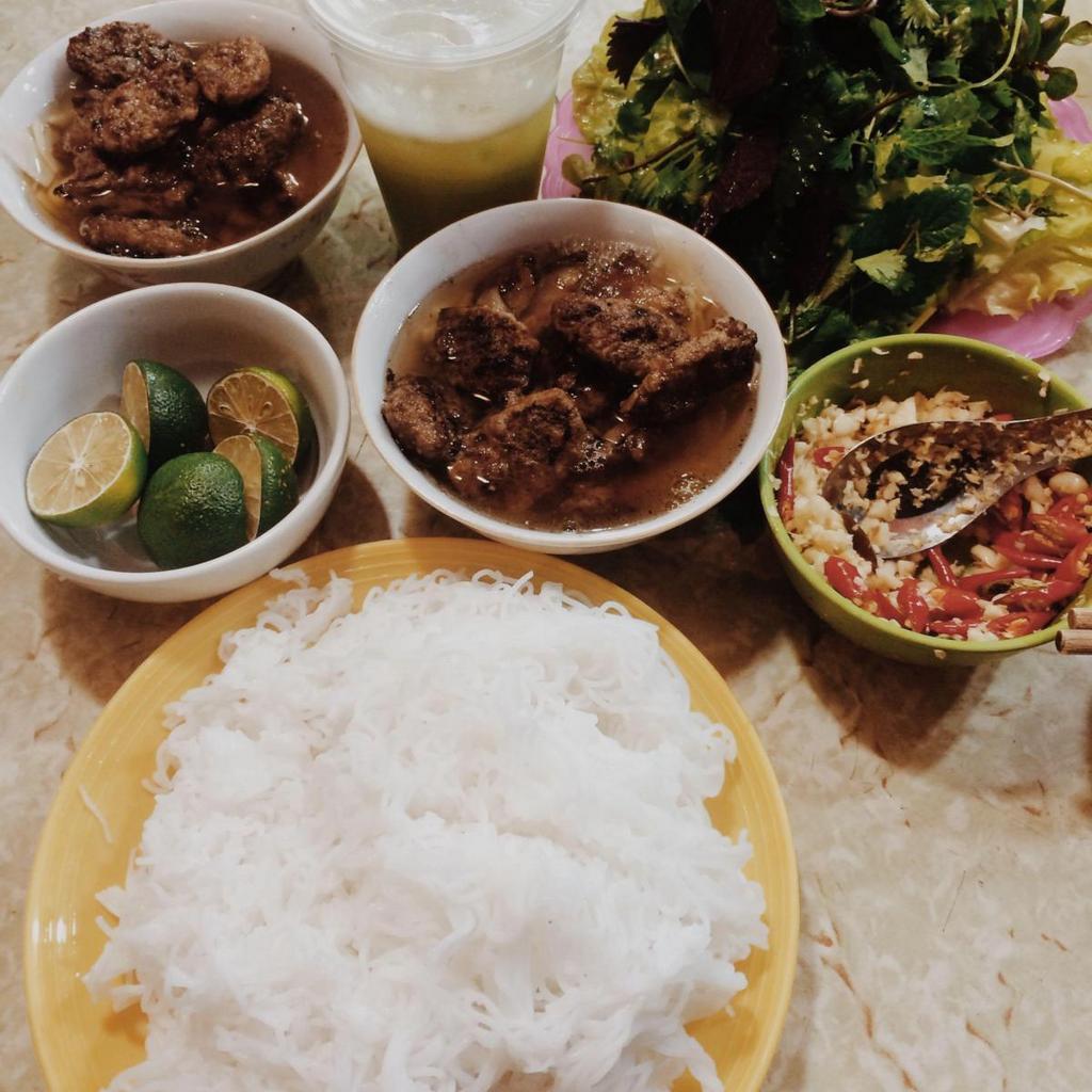 dac kim-kebab rice noodle-bun cha-best kebab rice noodle in ha noi5