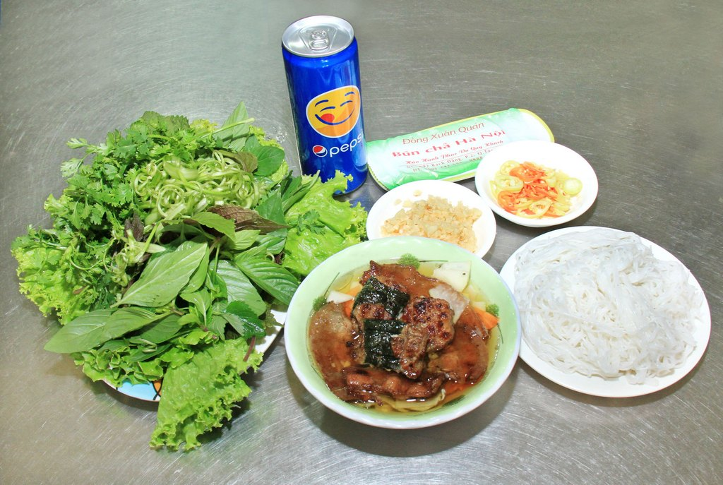 dong xuan-kebab rice noodle-bun cha-best kebab rice noodle in ha noi2