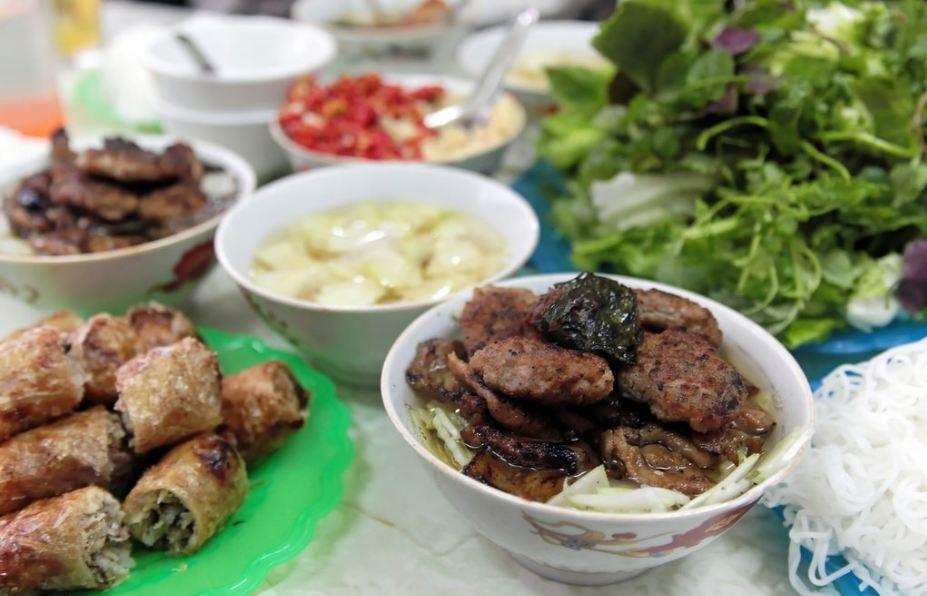duy diem-kebab rice noodle-bun cha-best kebab rice noodle in ha noi1