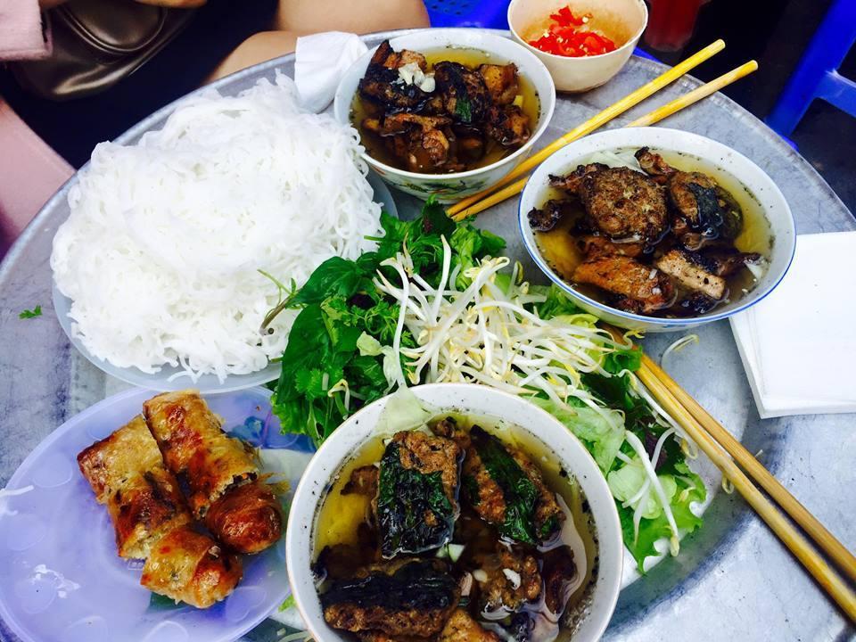 hang than-kebab rice noodle-bun cha-best kebab rice noodle in ha noi3