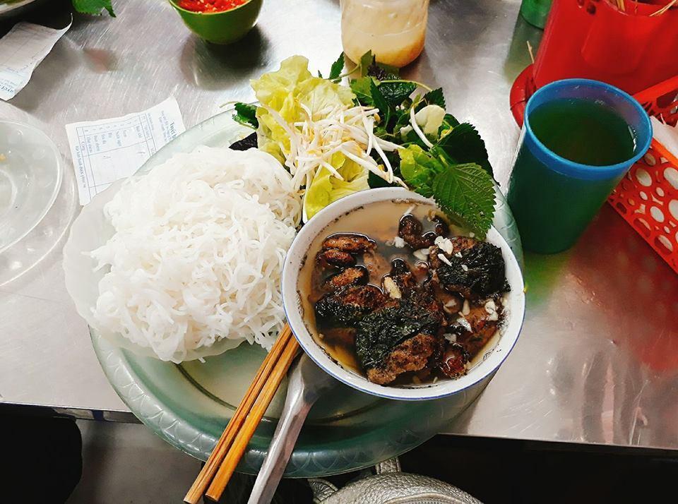 hang than-kebab rice noodle-bun cha-best kebab rice noodle in ha noi4