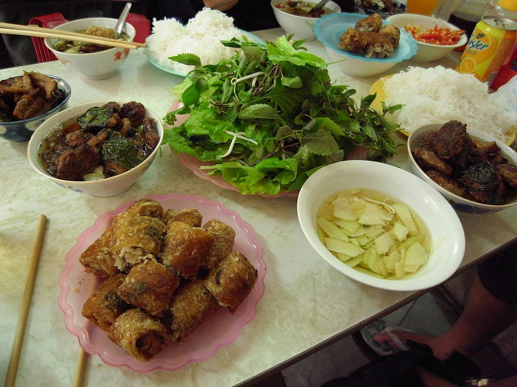 huong lien-kebab rice noodle-bun cha-huong lien-best kebab rice noodle in ha noi2