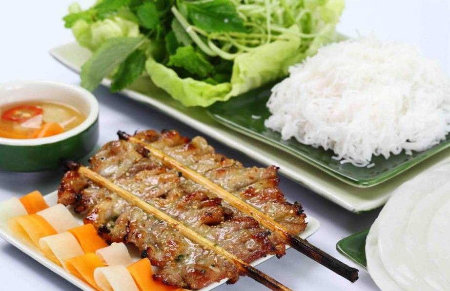 lac long quan-kebab rice noodle-bun cha-best kebab rice noodle in ha noi1